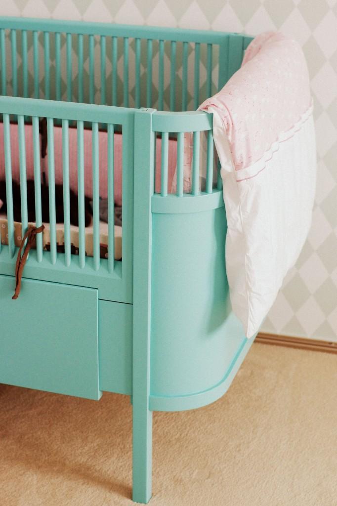 tom mebel, meble drewniane, urządzanie pokoju dziecka, łóżeczko sebra