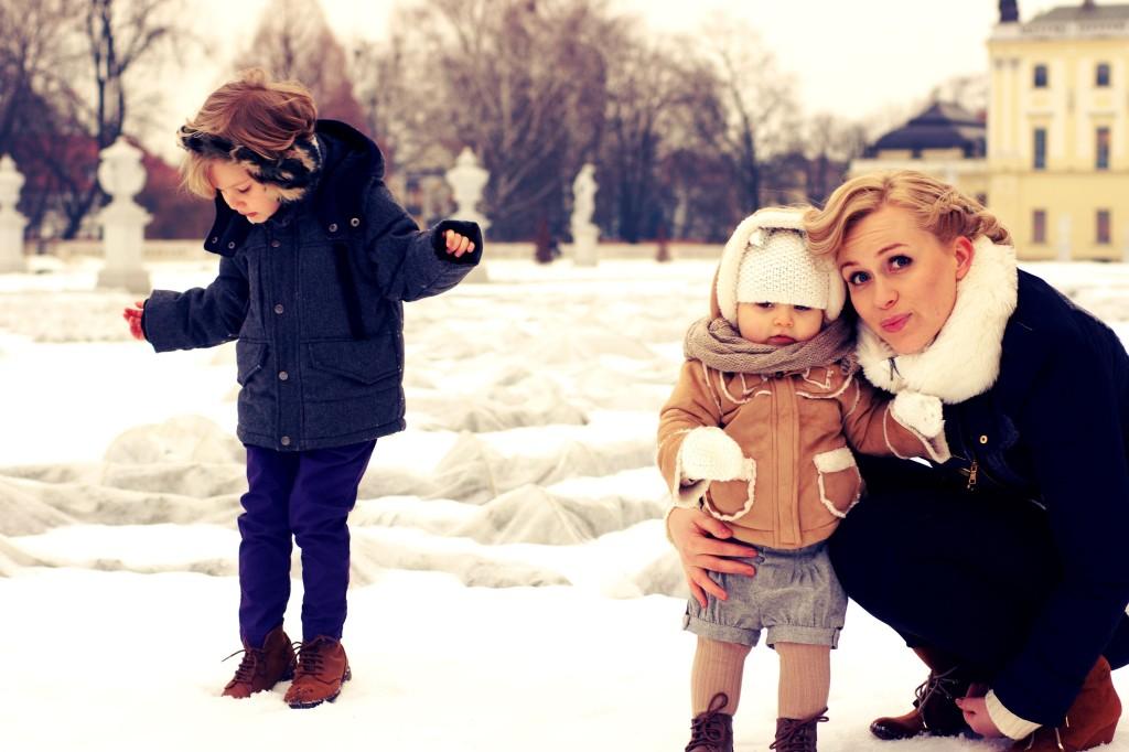 zdjęcia rodzinne, kurteczka Gap, Buty Zara, Nauszniki Zara