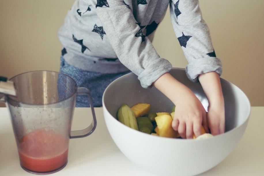 Jak przemycić dziecku owoce i warzywa? 01