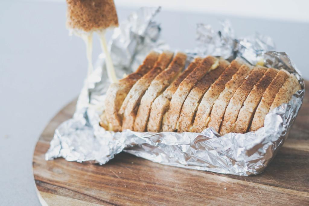 tost z zapiekanym serem