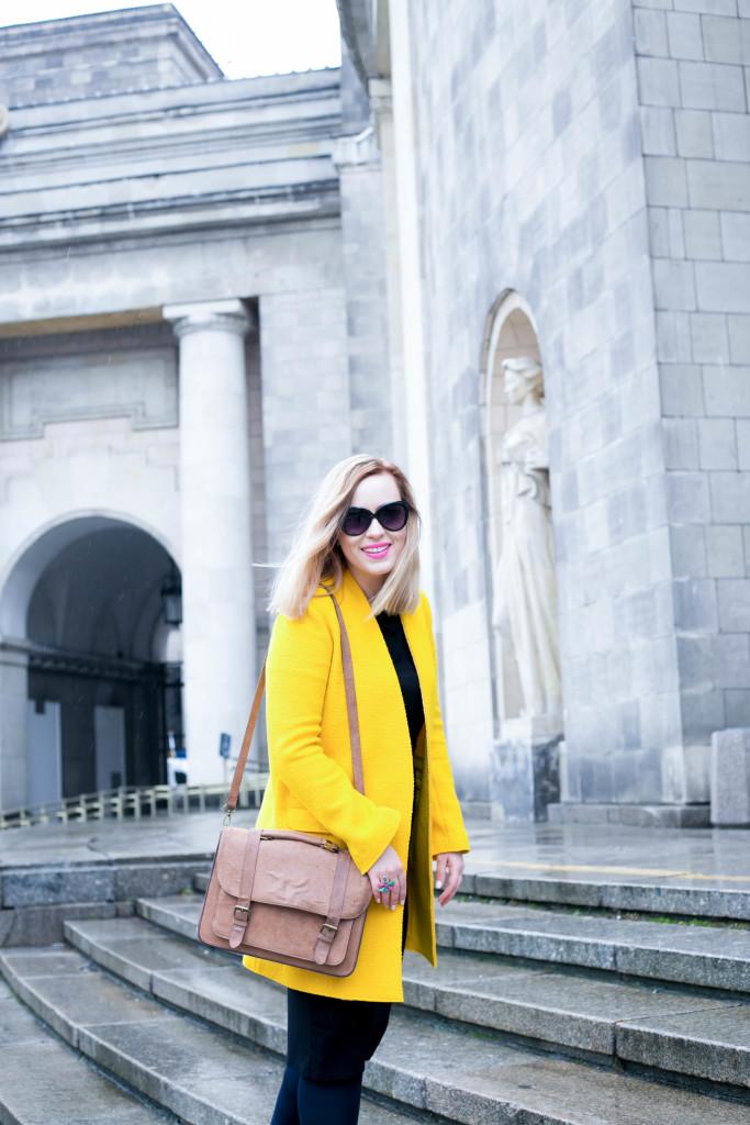 płaszcz zara żółty