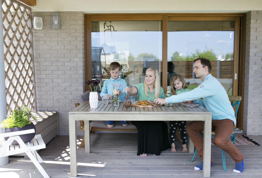 Czy naprawdę lubisz spędzać czas ze swoją rodziną? 011