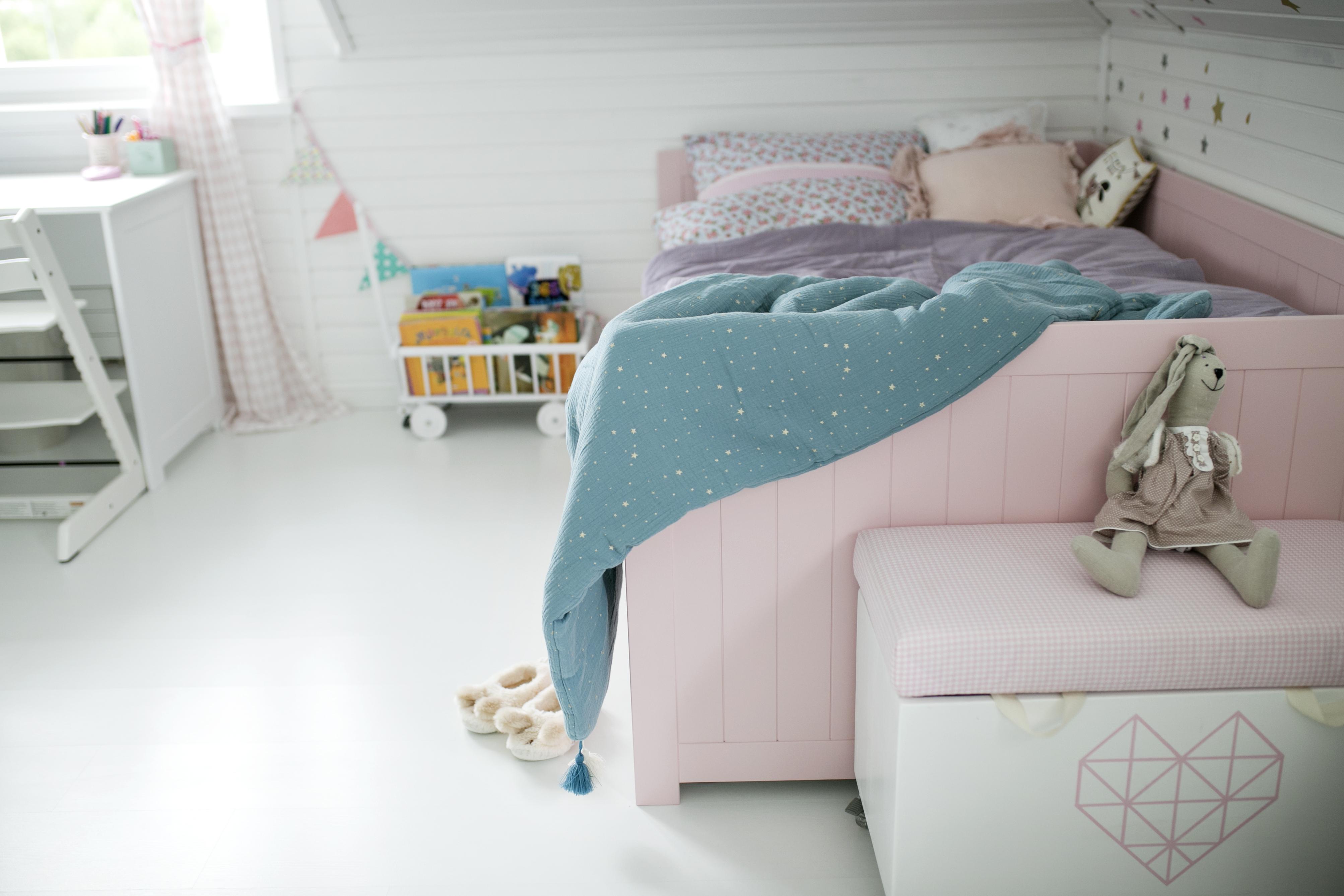 łóżko dla dziewczynki różowe