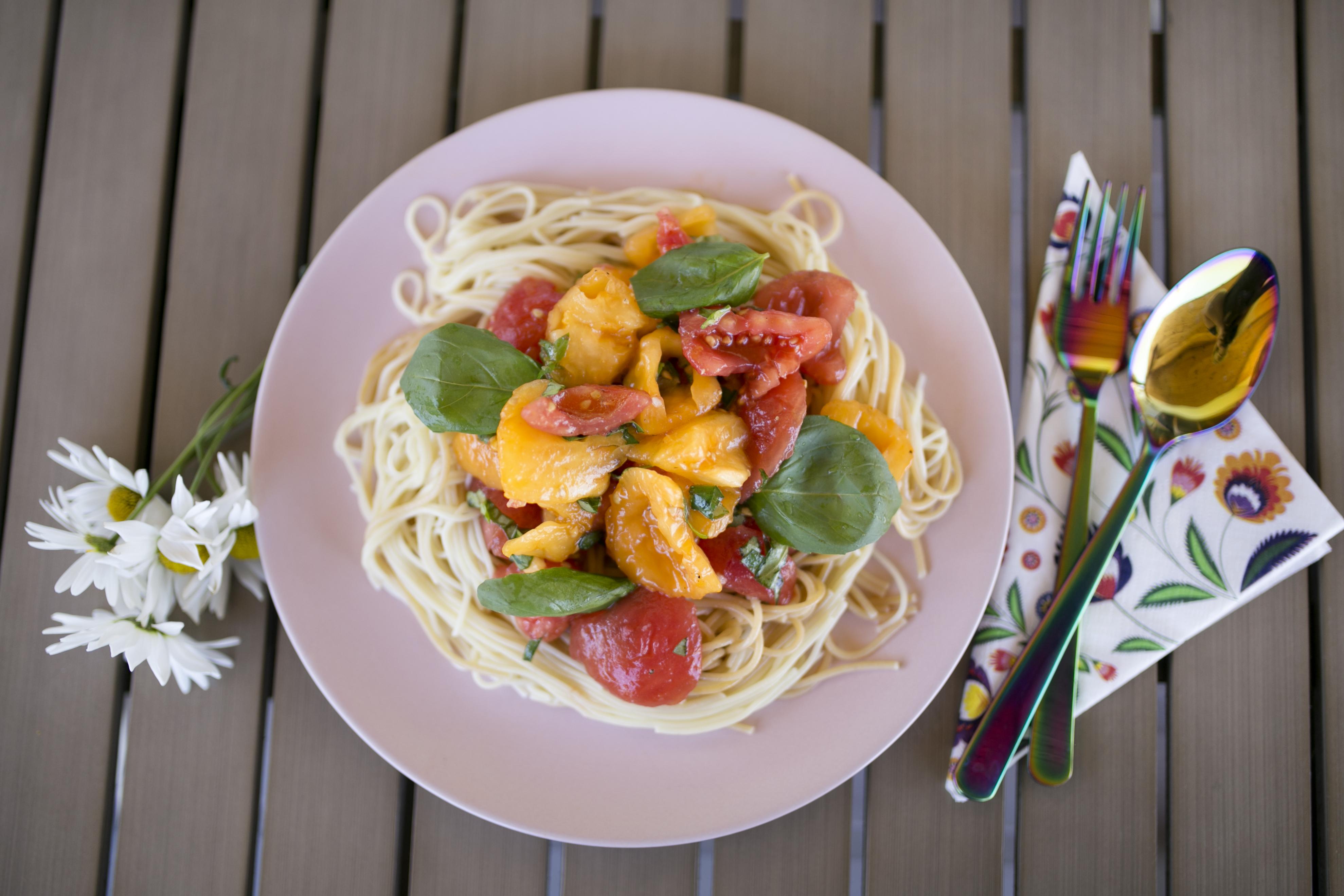 spaghetti elizabeth taylor, spaghetti z pomidorami