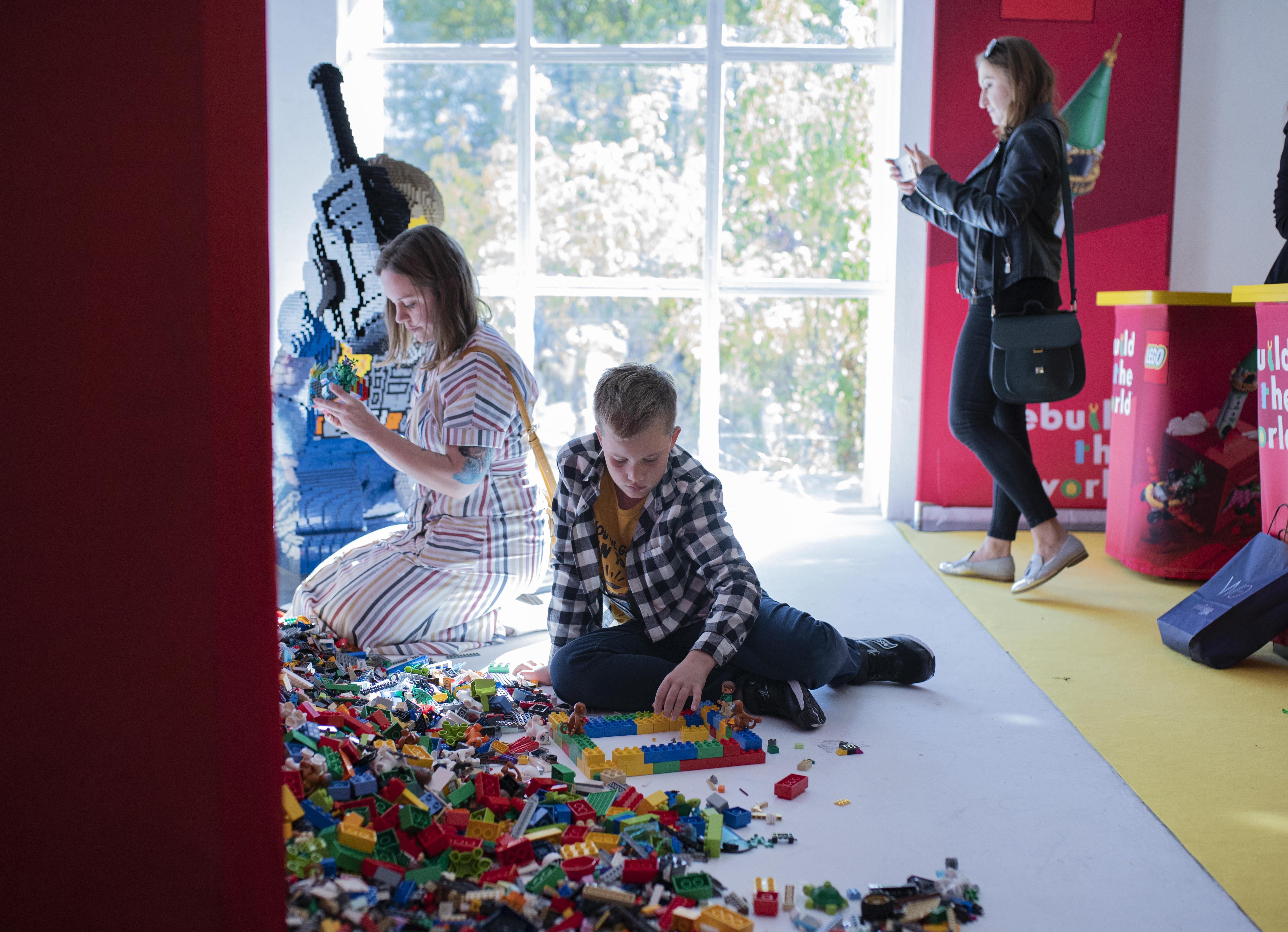 lego, rebuild the world